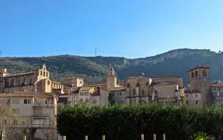 See accommodation in Oña