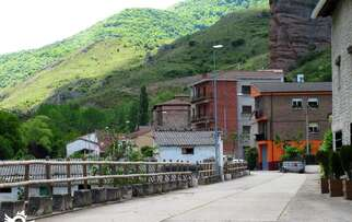 See accommodation in Tobía