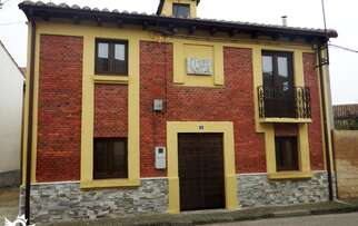 See accommodation in Villamoros de Mansilla