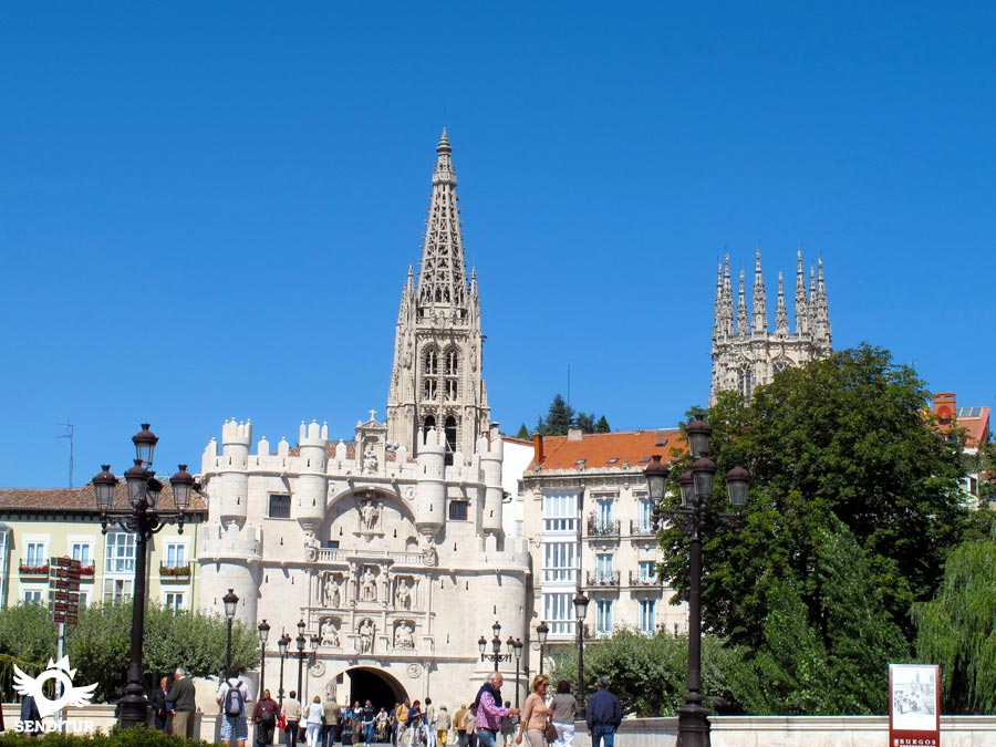 Door of Santa María in Burgos