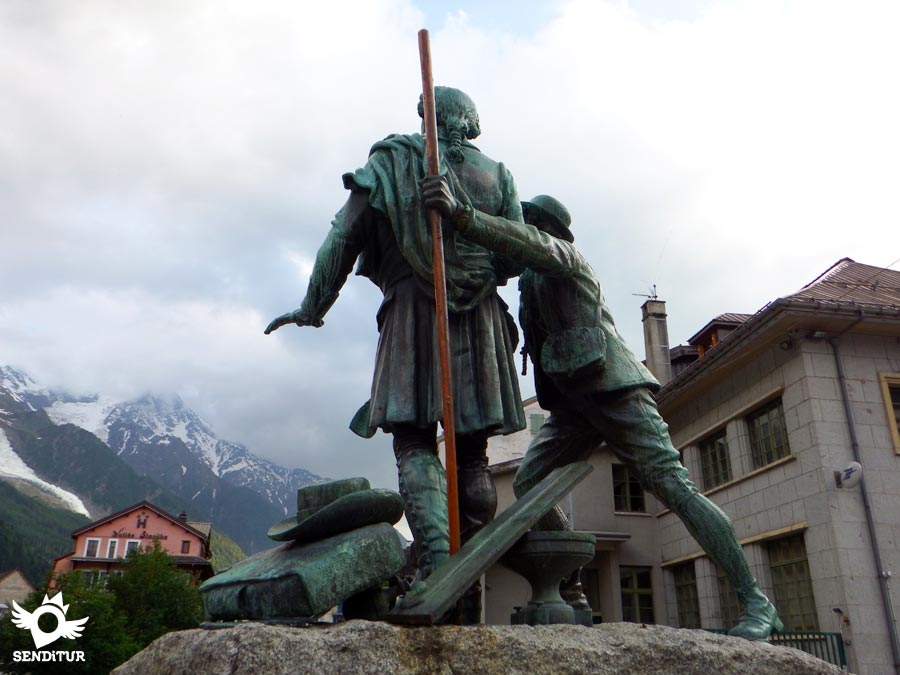 Monument to the first Alpinists