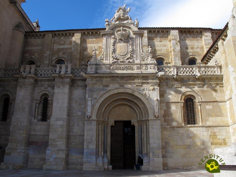 Real colegiata de san isidoro le n for Puerta 3 de san marcos