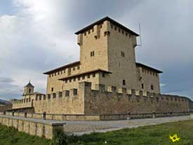 Go to Tower-Palace of the Varona family
