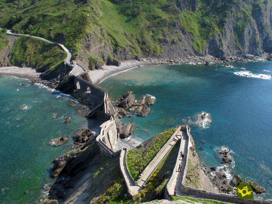 Hermitage Of Saint John Of Gaztelugatxe Bermeo Vizcaya Bizkaia Senditur Com Paths Routes Tourism