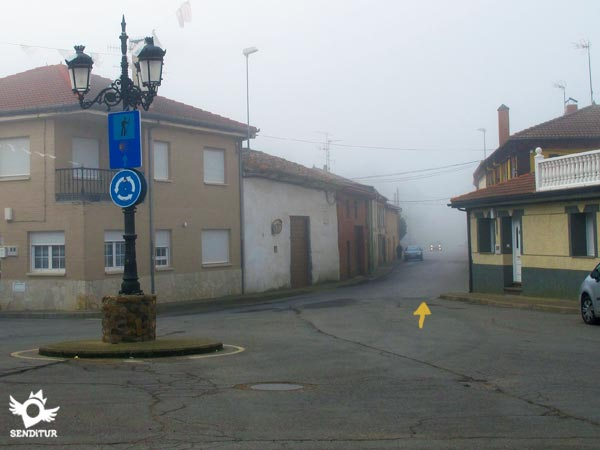 The route continues along the Camino street