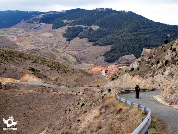 Climbing ramp to the hermitage of Santiago and views of Clavijo