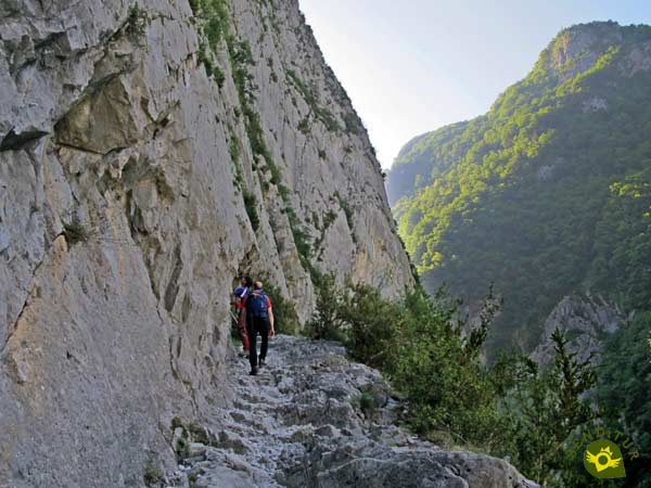 We enter the gorges d'Enfer