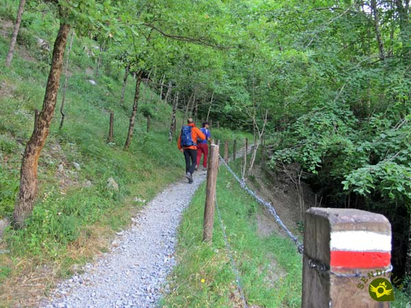 The GR 10 Pyrenean Path accompanies us on our journey